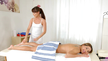 Hot masseuse is being dirty with her lesbian client