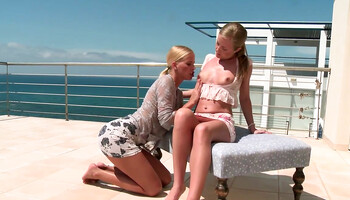 Blonde dykes engage in a passionate oral sex under the sun