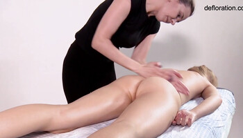 Curvy lady gets a full body massage by skillful masseuse