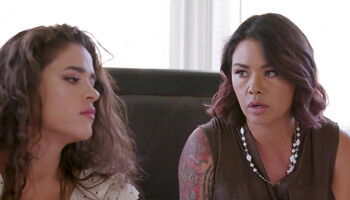 MILF Dana Vespoli is in love with her stepdaughter