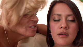 Sensual old VS young lesbian 3some with playful dolls